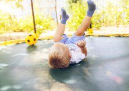 Pula-pula: quais os cuidados tomar antes de deixar a criança brincar?