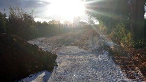 Projeto utiliza os próprios materiais da estrada (Foto: Prefeitura-SG)