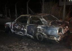Atualizada: Veículos são incendiados em São Gotardo
