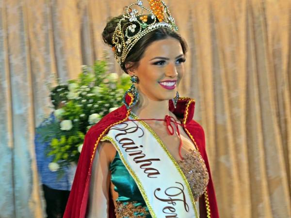 Atual Rainha da FENACEN (Foto: SG AGORA)
