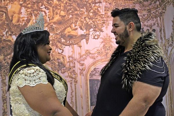 Rafaela Oliveira, nova Miss Plus Size de São Gotardo e Júnior Rocha (Foto: SG AGORA)