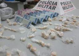 Tráfico de Drogas e Arma Apreendida em Guarda dos Ferreiros. Confira as principais ocorrências da PM neste final de semana