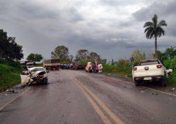 Atualizada: Grave acidente envolvendo três veículos sendo um de São Gotardo é registrado na BR-354