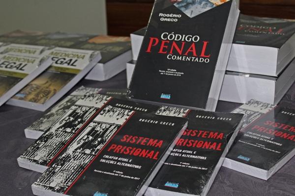 Livros de Rogério Grego são constantemente citados nos Tribunais de Justiça (Foto: SG AGORA)