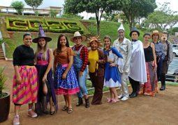 Ensinar com alegria: Curso de Pedagogia do CESG promove Projeto Baú de Histórias em São Gotardo