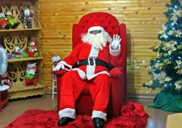 É Natal! CDL inaugura Casinha do Papai Noel em São Gotardo