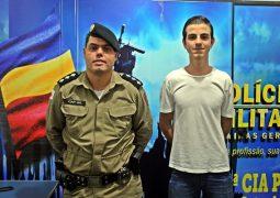 Jovem que sonha em ser Militar conhece Corporação da PM de São Gotardo