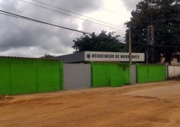Em comunicado, Secretaria Municipal de Educação confirma aulas em Centro Social da ASMOG para alunos que estudariam e escola em construção em Guarda dos Ferreiros