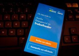 Auxílio emergencial: Governo lança aplicativo e site para a solicitação do benefício