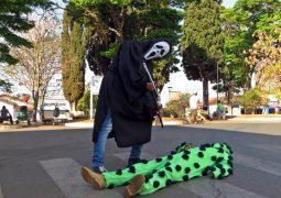 Covid-19: Ação para que as pessoas usem máscaras é realizada em São Gotardo