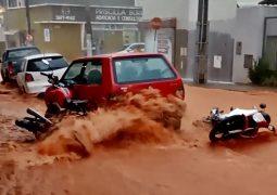 Forte chuva causa transtornos e acidentes em São Gotardo e Guarda dos Ferreiros