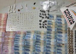 Autores de furto e tráfico de drogas em Guarda dos Ferreiros são presos pela PM