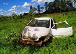 BR-354 em São Gotardo: Veículo se envolve em acidente e condutor é autuado por ingerir bebidas alcoólicas