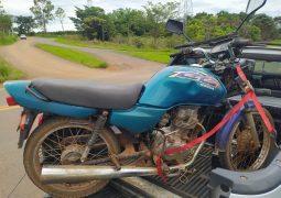 Homem é preso após ser flagrado em motocicleta com documentação adulterada na MG-235 em São Gotardo