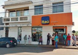 Agência do Itaú volta a funcionar em São Gotardo