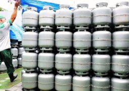 Botijão de gás pode ficar entre R$ 150 e R$ 200 este ano, dizem revendedores