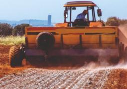 Saiba quais são os efeitos da aplicação do gesso agrícola no solo
