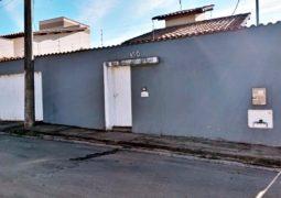 SG CLASSIFICADOS: Vende-se casa situada no Bairro Tancredo Neves em São Gotardo (EXCELENTE LOCALIZAÇÃO)