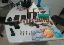 PM prende autores de roubo, apreende armas e recupera materiais roubados em fazenda no município de Tiros-MG