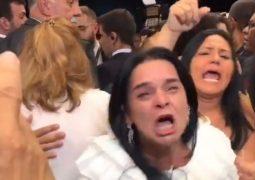"""Com choro e gritos, militares ameaçam Bolsonaro: """"não vai ter voto, trairagem"""""""