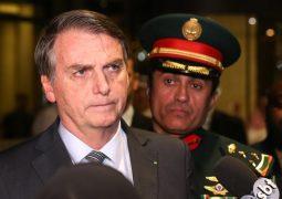 Bolsonaro abandona entrevista ao ser perguntado sobre vídeo de leão e hienas