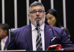 """""""Um frouxo. Ameaça mas não faz p* nenhuma"""", diz Frota sobre Eduardo Bolsonaro"""