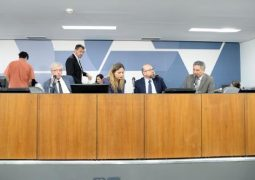 Audiência sobre Conselho Estadual de Educação será remarcada