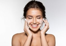 Bicarbonato de sódio para pele, cabelo e unhas? Veja 11 formas de usá-lo