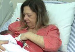 Mulher de 61 anos dá à luz bebê e realiza sonho de ser mãe no Paraná