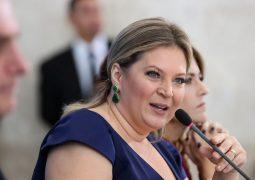 """Joice Hasselmann diz que Olavo de Carvalho """"virou vassalo e perdeu a noção"""""""