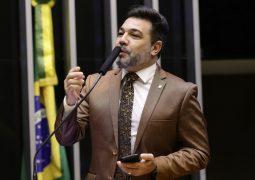 Feliciano pede cassação de líder do PT e ganha apoio de Eduardo Bolsonaro